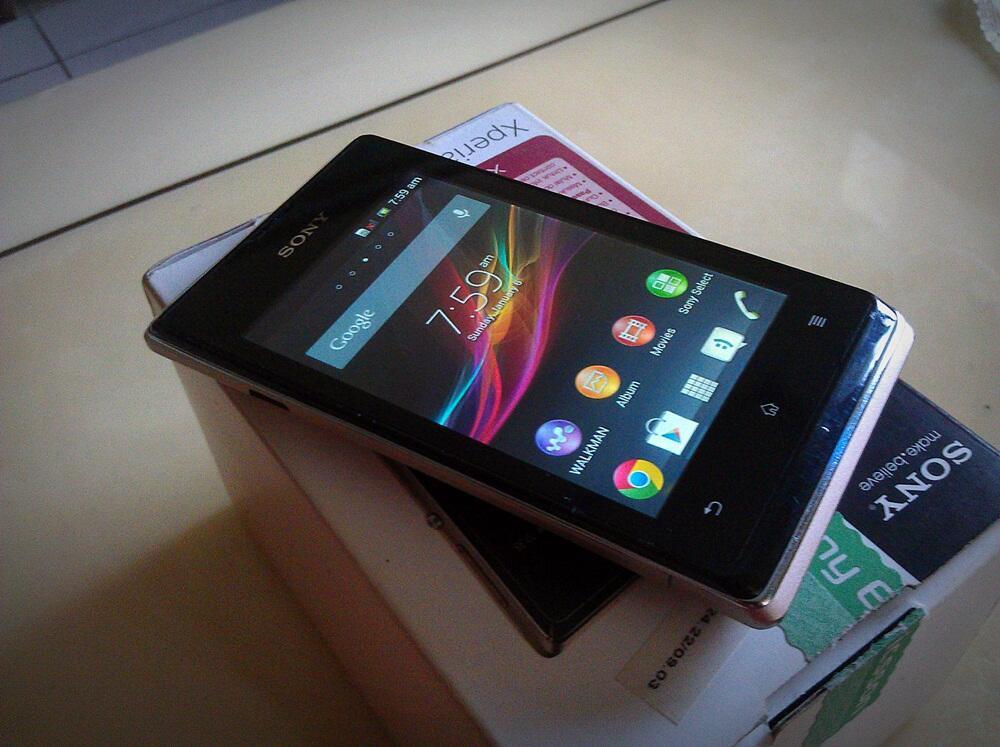 Sony Xperia E Dual Jelly Bean Fullset Garansi Murah aja gan cod Bandung