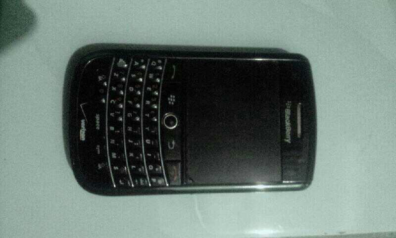 BlackBerry tour 9630 black