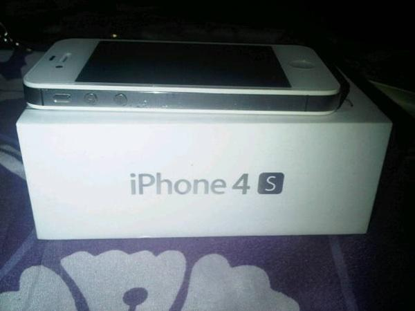 WTS Iphone 4s white 16Gg Jakarta