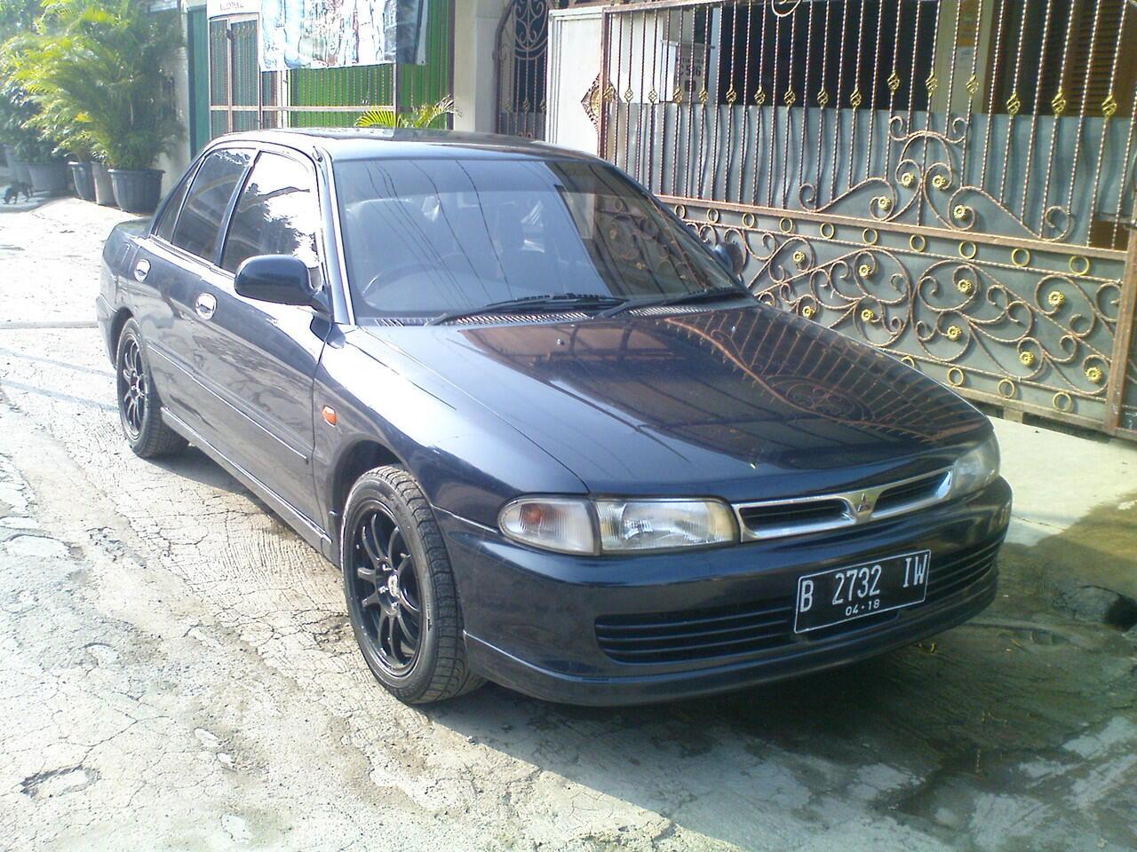 Mitsubishi Lancer GLXi th. 1995
