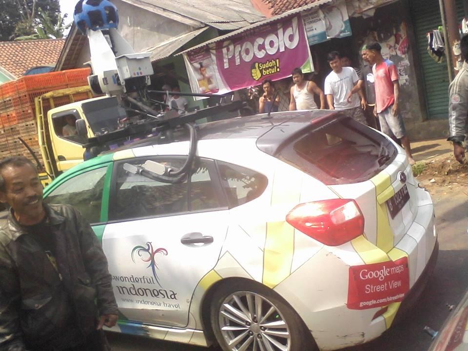 Tabrak Lari Mobil Google Streetview Kabur