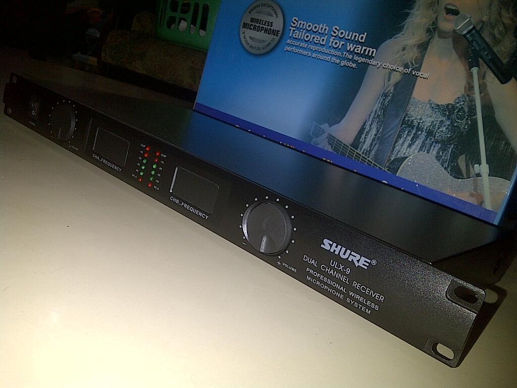 Wireless Mic Shure Ulx9 / Sm58 , 2 Microphone
