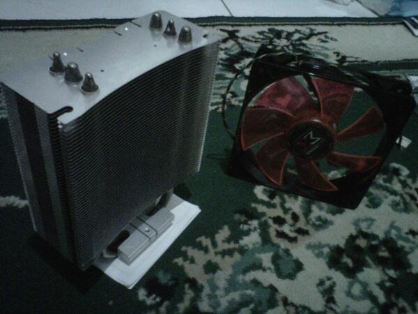 Xigmatek Red Scorpion + 2 fan 14 cm XLF-F1453