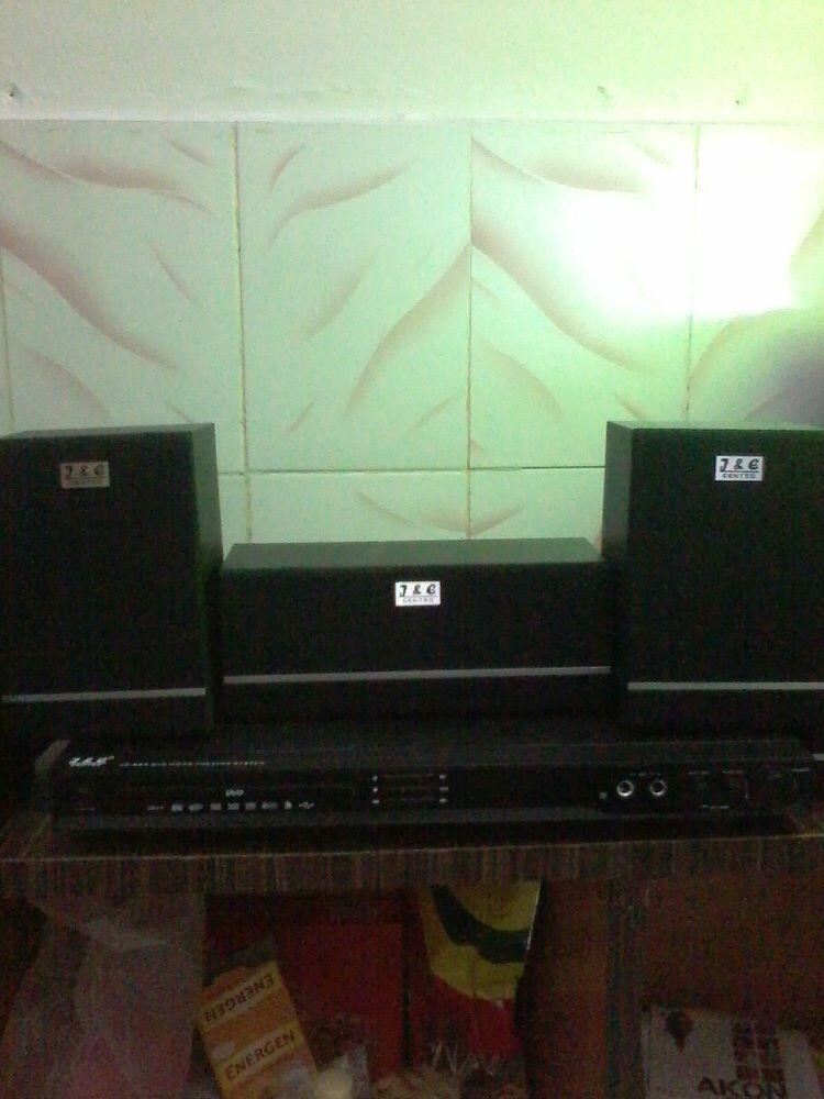 home theatre sound system J & C centro