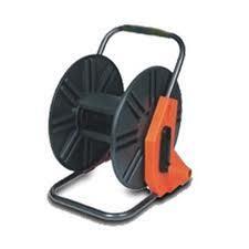 Hose reel (gulungan selang),Nozzle (semprotan), dan perlengkapan untuk taman
