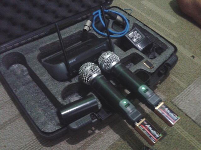 2nd = SHURE Wireless PGX4 Beta 58A ( JKT ONLY )