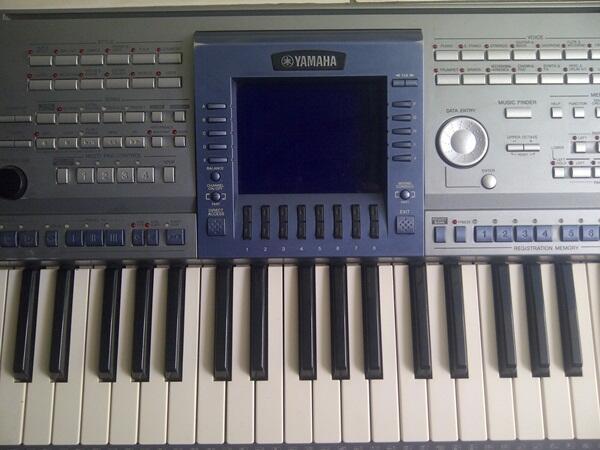 Keyboard YAMAHA PSR 1500 MULUSS 90%