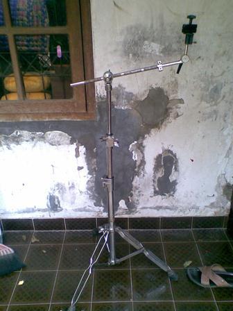 jual peralatan drum (stand2,double pedal,tom2) masuk drummer