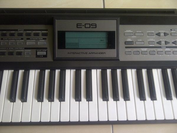 Keyboard Roland E09i, muluss, normal, msh ada kardus