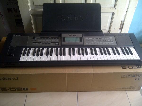 Keyboard Roland E09i, muluss, normal, msh ada kardus