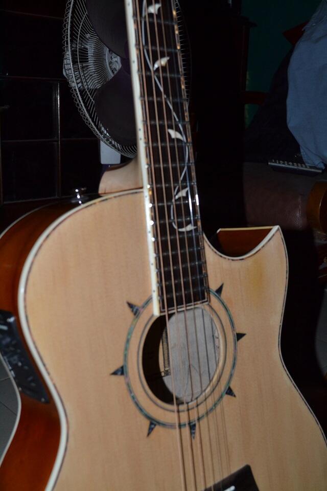 "Gitar Produk Sendiri ""Arrant guitar"""