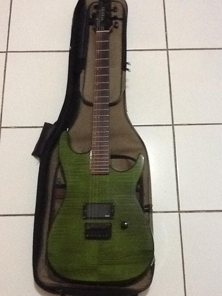 Godin Redline 1 gitar listrik