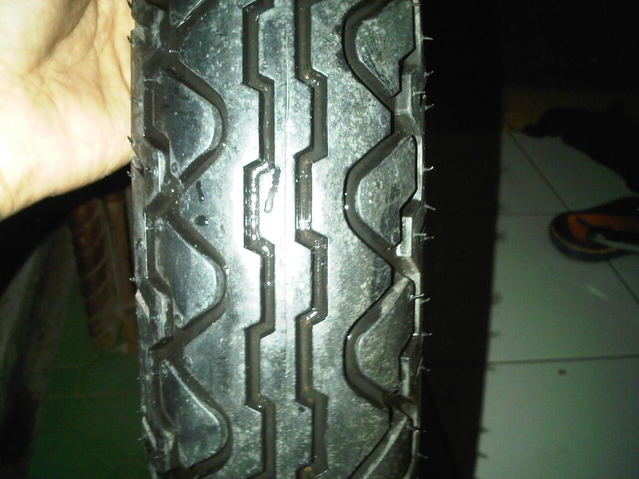 Terjual Ban Motor Standar Tiger Revo Dan Stang Setandart Cp089652128322