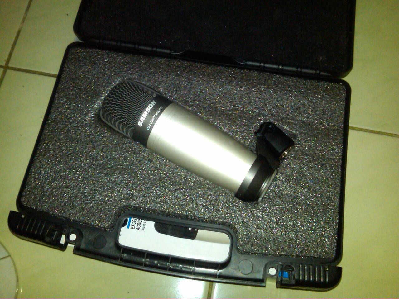 JUAL M-AUDIO KEYSTUDIO 49 + MIC CONDENSER SAMSON C01 + POP FILTER + STAND MIC + XLR