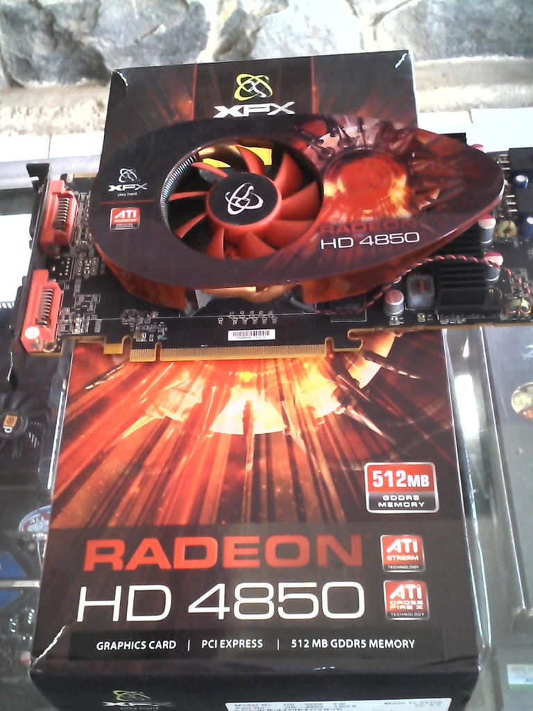 XFX 4850 512 MB DDR5 256 BIT BOX+DVI BDG