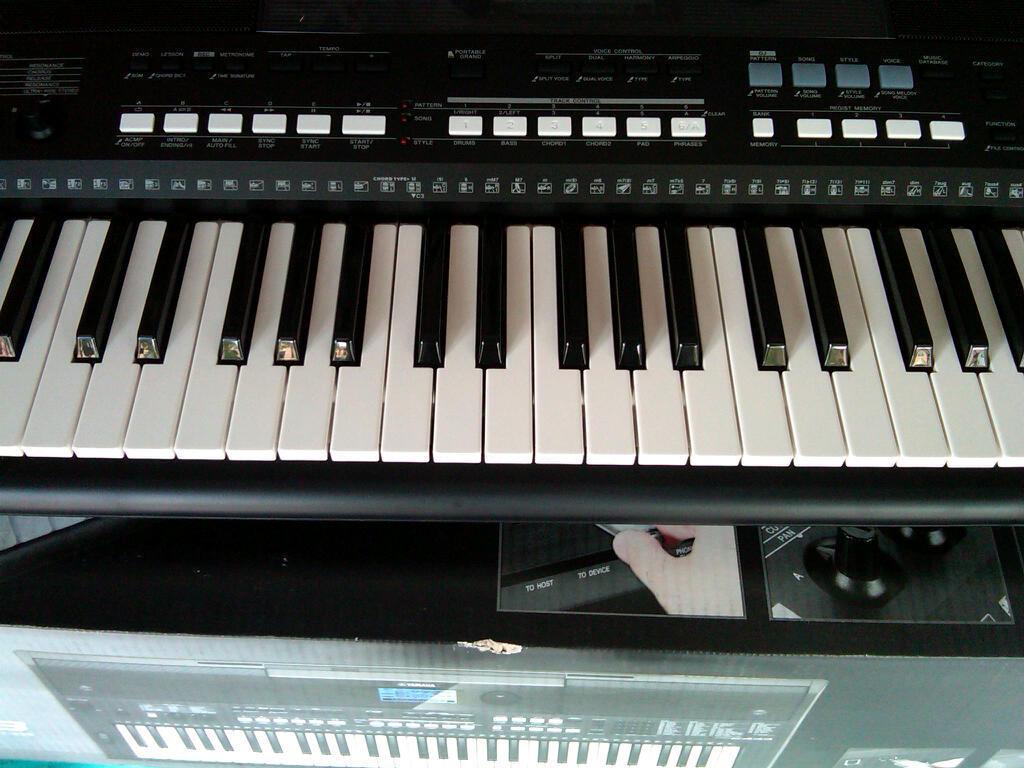 Yamaha Keyboard PSR-E433