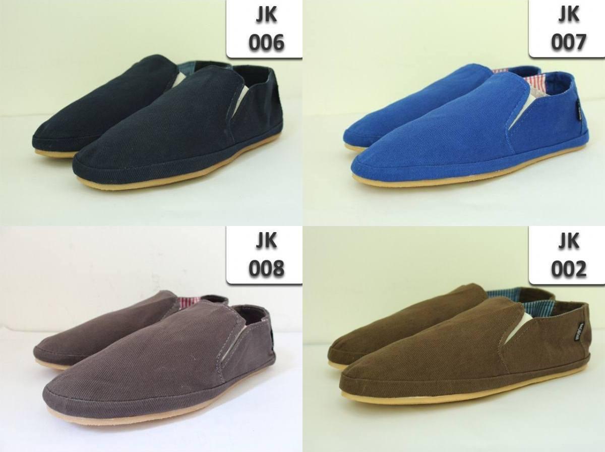 Terjual sepatu shoes junkiee backbone  881760a453