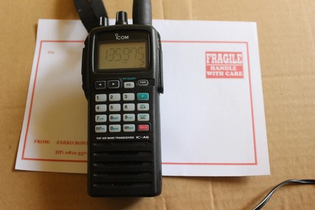 Radio ICOM A-6 Airband kondisi bagus, mulus
