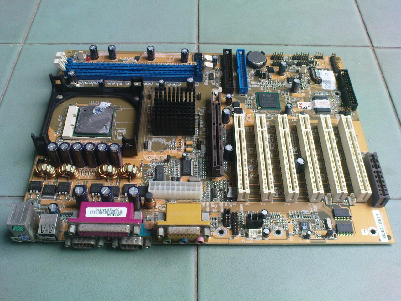 Motherboard PC 478 + Proci Murah aja