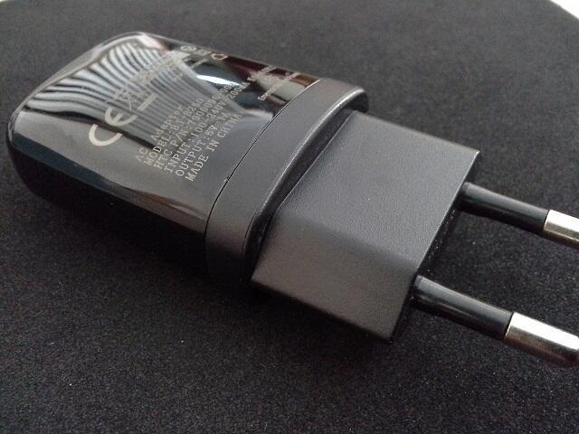 Original Charger HTC + USC Cable **bukan barang KW**