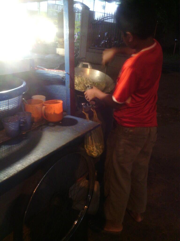 Bocah Penjual Nasi Goreng (Pic)