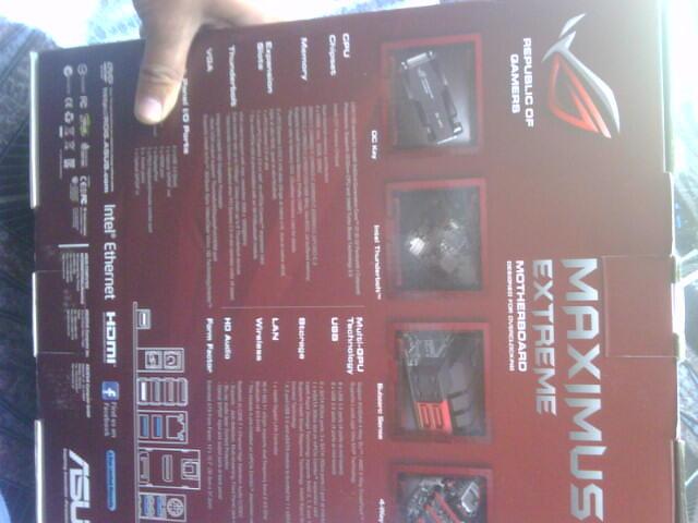 ROG INSIDE --- CORE i7 3770K + ASUS MAXIUMUS V EXTREAM + HSF PHANTEKS RED ----