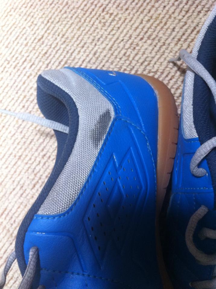 "WTS Sepatu Futsal ""LOTTO TORCIDA VI ID"" turun harga! (bandung)"