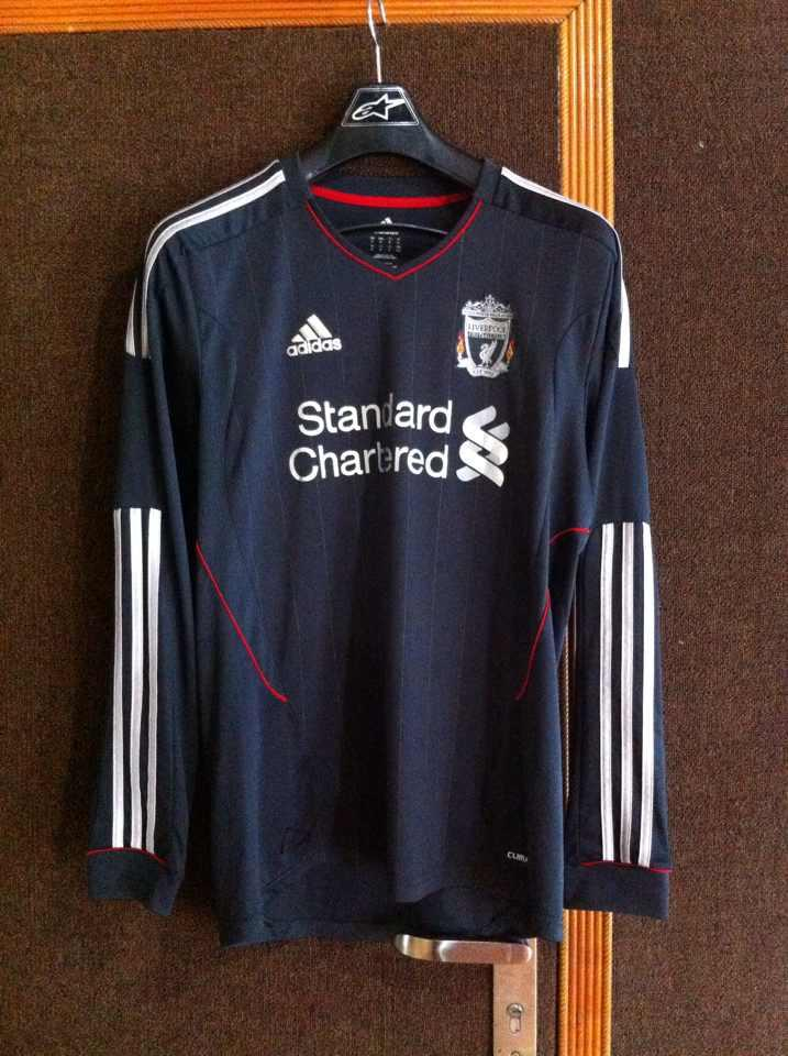 Jersey Liverpool away 11/12 LS RARE