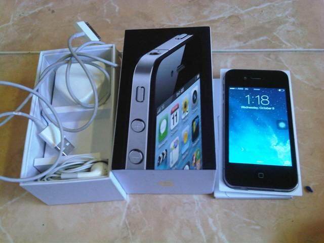 iphone 4 16gb FU black fullset ISTIMEWA BONUS terima tukar tambah jogja