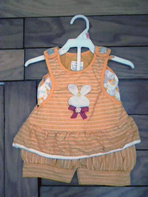 Pakaian Stelan Salur Kelinci