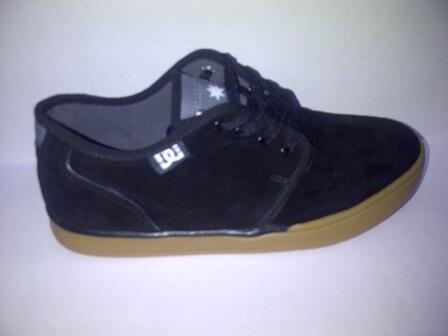 Terjual Jual Sepatu DC Studios Berbagai Model Kualitas Import ... 32af14e173