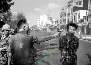 10 Tokoh yang Karirnya Hancur Akibat Foto