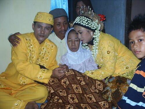 Ayah, Akhirnya Aku Menikah :mewek