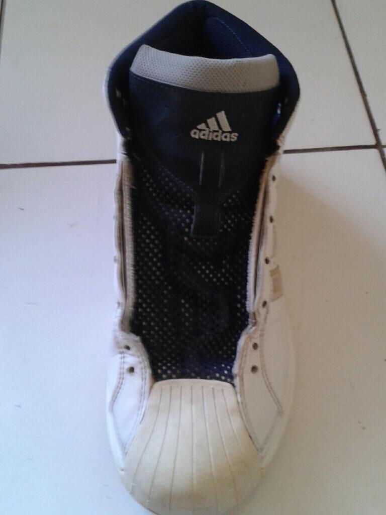 jual spatu basket adidas pro model setengah harga aja size 42