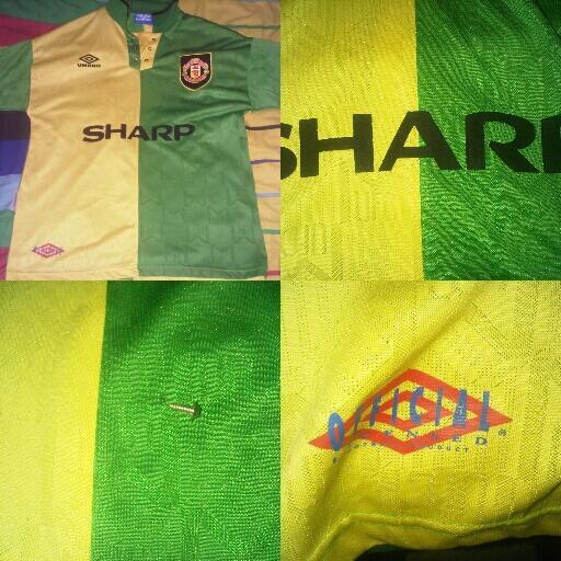 Lelang jersey Rp 0,- MU Away Treble 97/99 >< Third 92/94