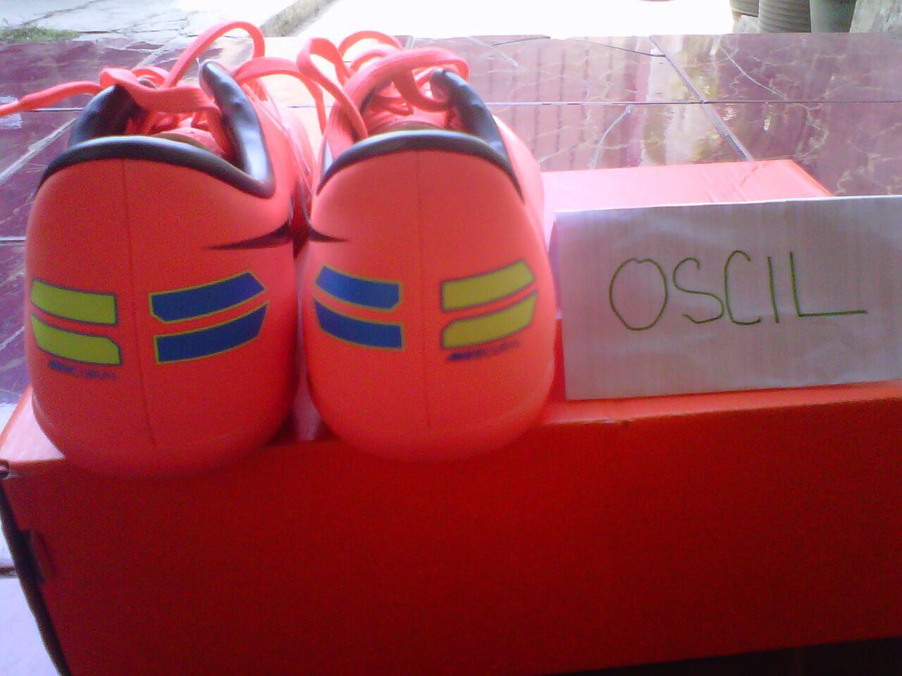 sepatu original super murah!!!!nike futsaL mercuriaL jR.Size36