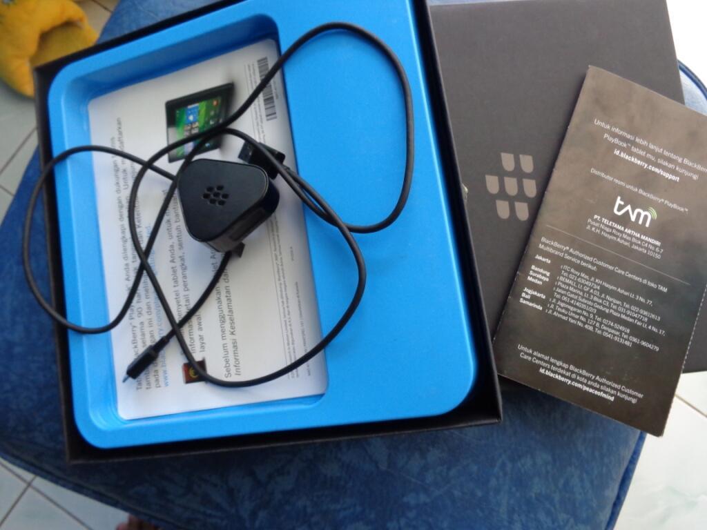 Blackberry Playbook 64GB Like NEW Garansi TAM Sampai 2014