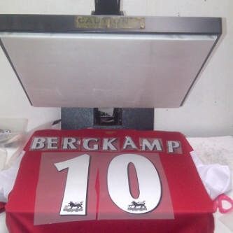 ready stock jersey retro grade AAA arsenal home 06/07 testimonial bergkamp