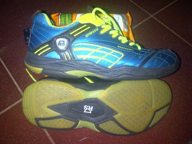 Sepatu Badminton/Bulutangkis RS 8.20