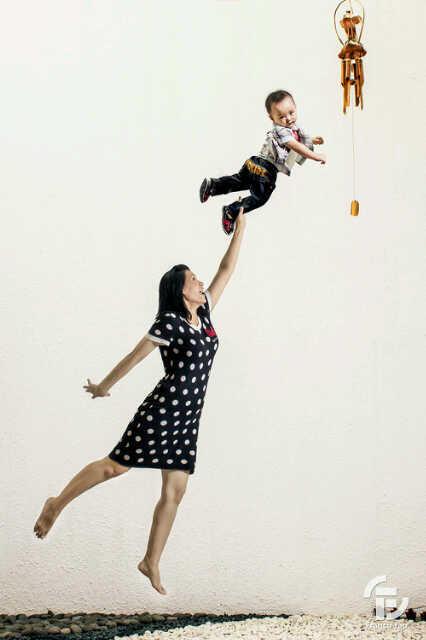 """10 Foto """"Bayi Terbang"""" Paling Keren"""
