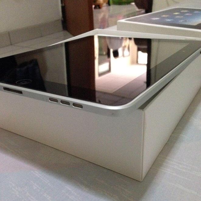 WTS iPad 1 32GB Wifi Only - Bandung