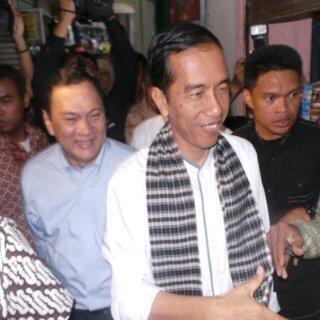 Akhirnya... Jokowi Naikkan Upah Buruh Jadi Rp 2,44 Juta di 2014