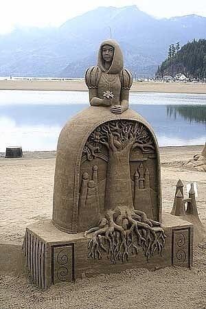 WOW Karya seni ini dari pasir pantai