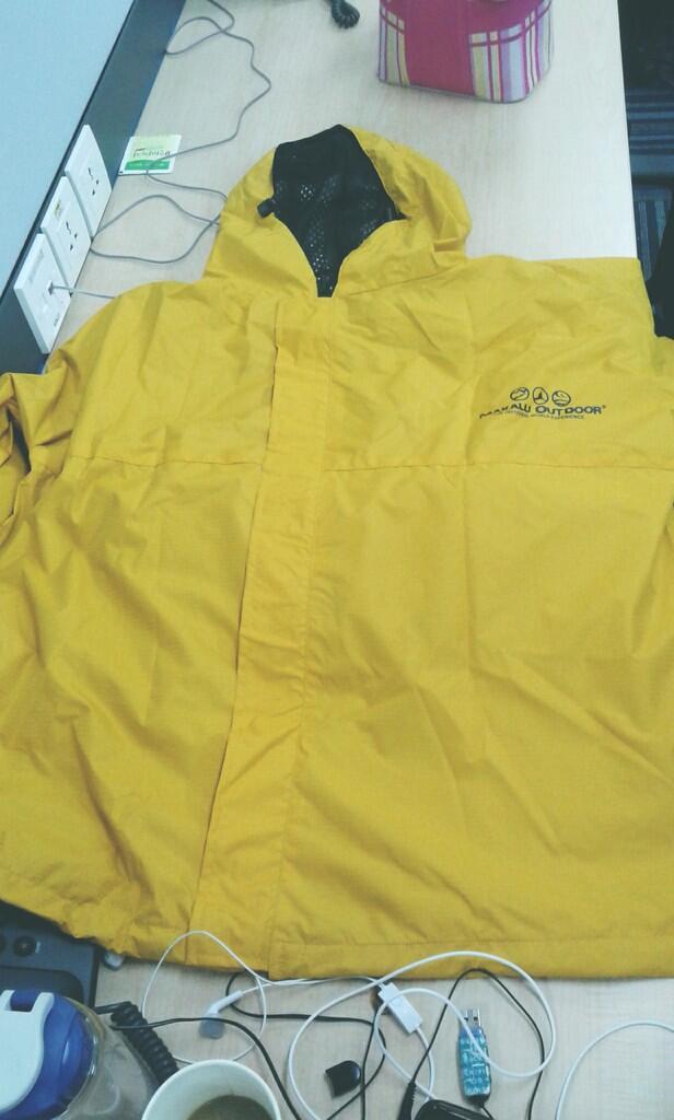 Jas Hujan Makalu / Raincoat Makalu