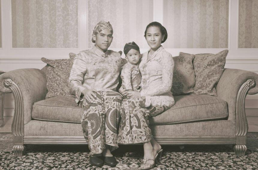 Picture -- Dian Sastro Family --