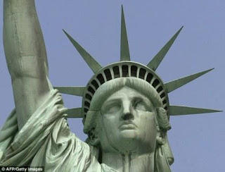 600 Kali Patung Liberty di Sambar Kilat Petir Setiap Tahunnya