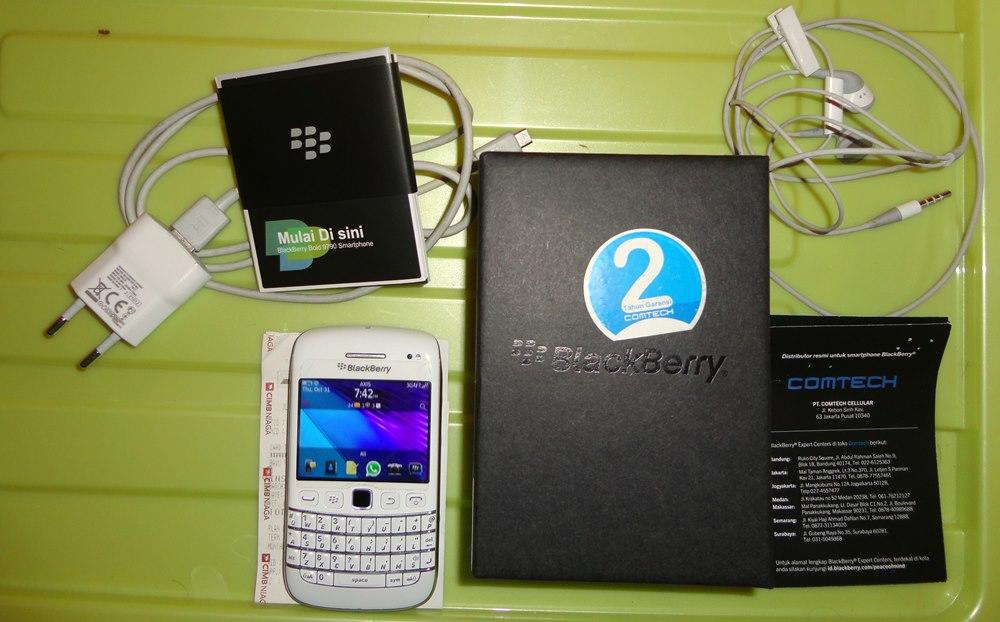 Blackberry : Bellagio 9790 White Jogja (Onyx 3)