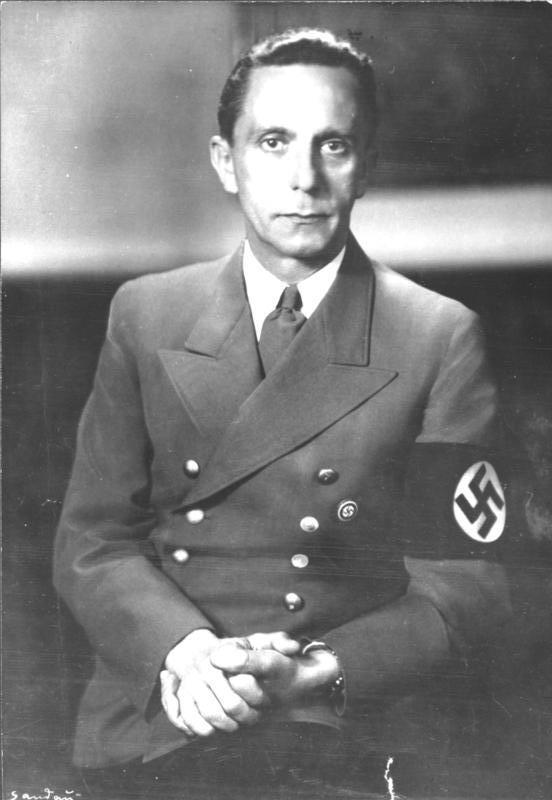 Joseph Goebbels (1897-1945), Bapak Moyangnya Propaganda Modern!