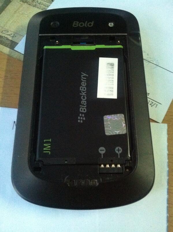 BLACKBERRY MONTANA 9930 DAKOTA CDMA BISA GSM MULUS MALANG KOTA