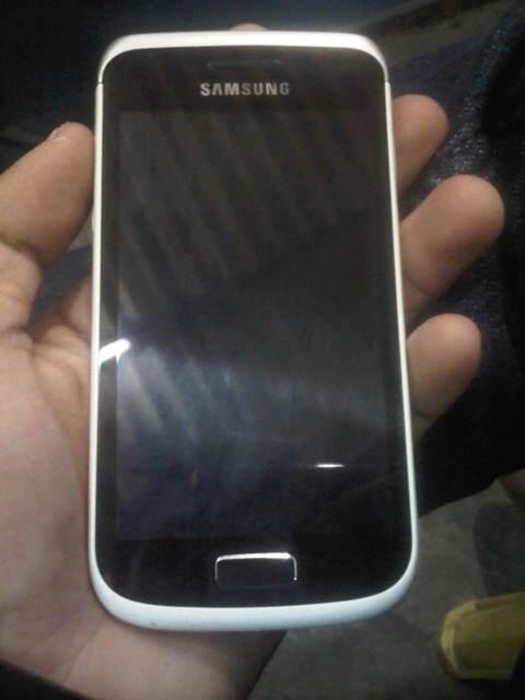 WTS Samsung Galaxy Wonder GT-i8150 & Nokia Asha 205 Bandung
